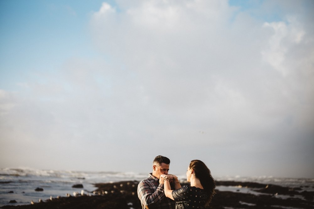 half-moon-bay-engagement-session-fitzgerald-reserve-19