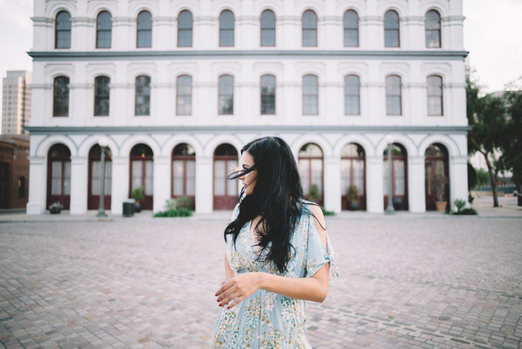 portrait lifestyle commercial photographer teri b corporate business unique headshots leica