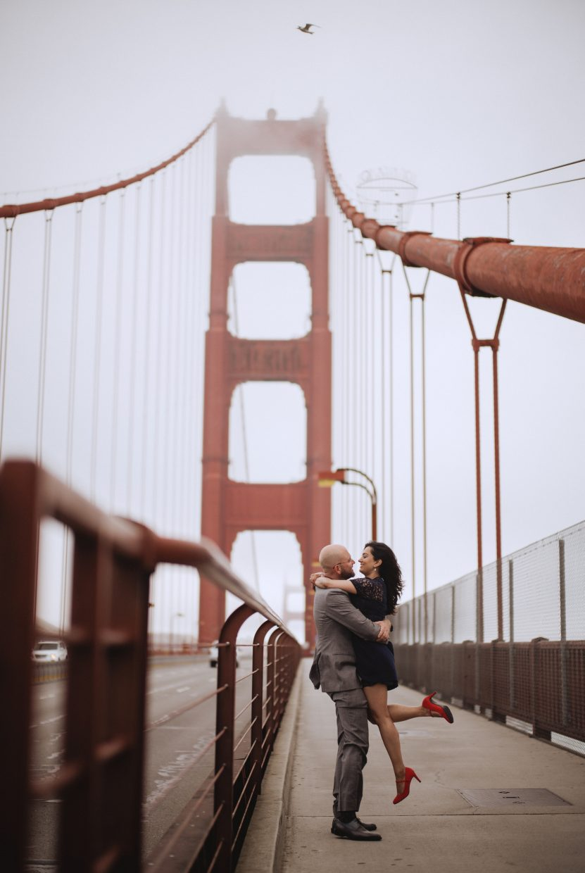 san Francisco engagement session golden gate bridge sunrise baker beach lovers lane presidio sf wedding photo ideas teri b