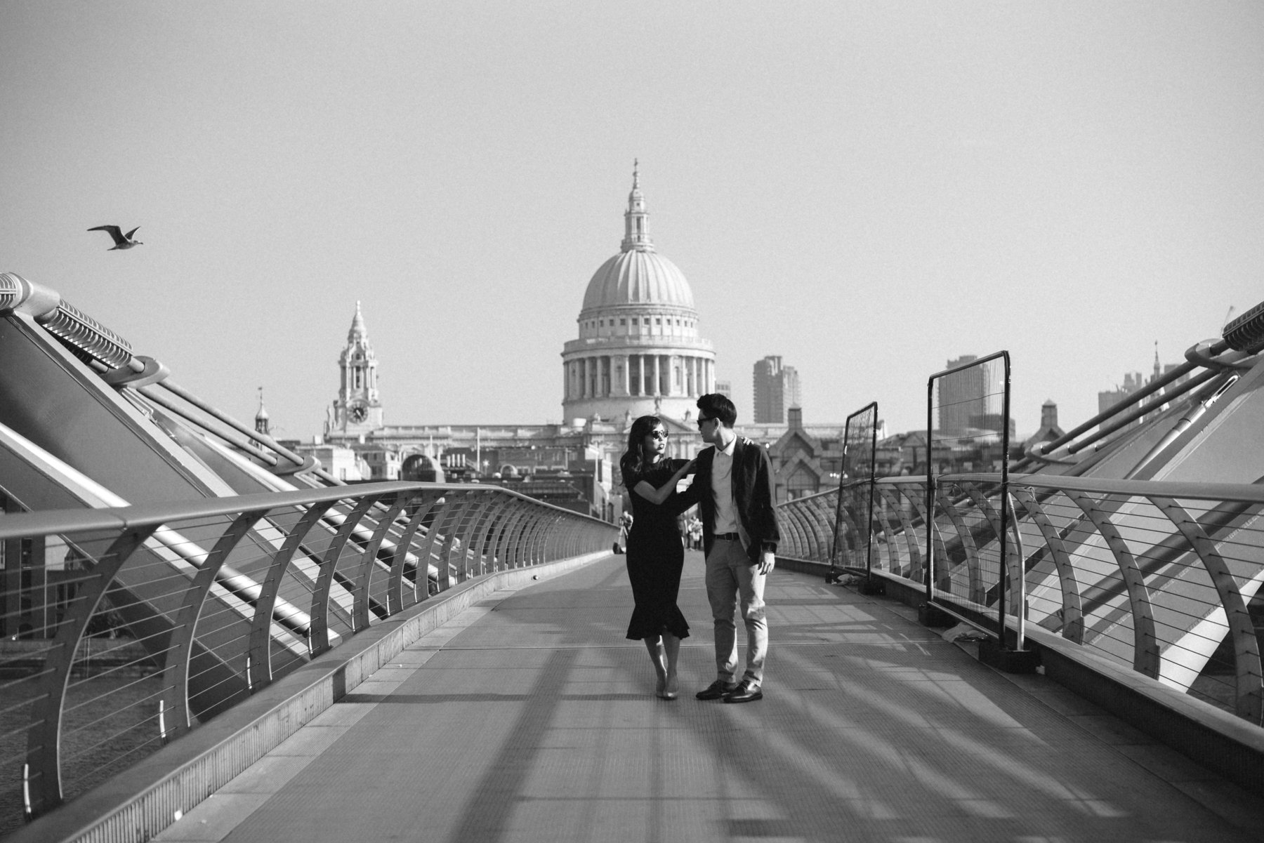 london moody wedding engagement pre wedding photographer teri b photography tower bridge photos sunny